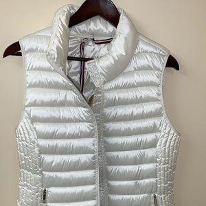 Tommy Hilfiger Women's medium white puffer vest